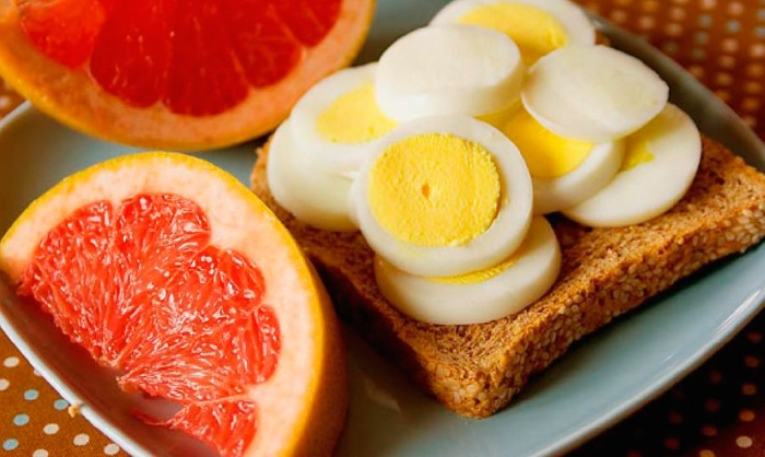 yaichno-grejpfrutovaya-dieta
